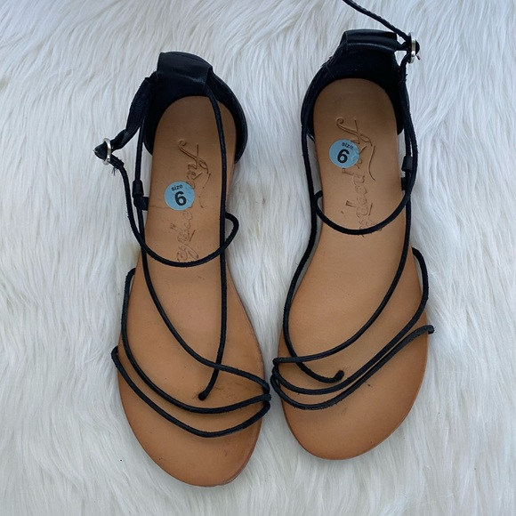 Free People Shoes - Free People Black Strappy Sandals / Size 6